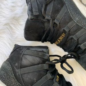 Nike Air Jordan 11 Heiress Stingray Retro Sneakers